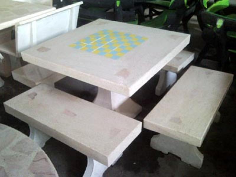 โต๊ะเหลี่ยมไม่พิงหินขัด